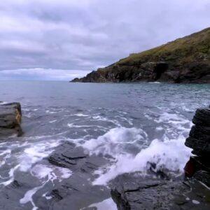 Ocean Waves Splashing on Rocks | Coastal Seaside Water Sounds for Sleeping, Relaxing & Stress Relief
