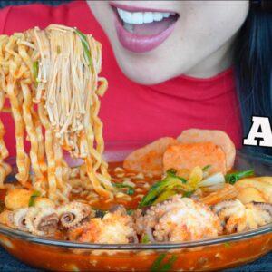 asmr spicy noodle soup octopus spam enoki mushrooms eating sounds no talking sas amsr
