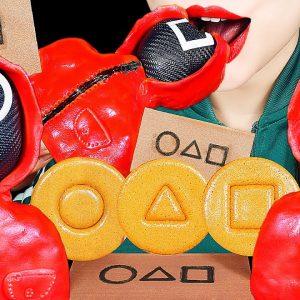 asmr squid game dalgona candy challenge edible soldier card eca781eca091 eba78ceb93a0 ec98a4eca795ec96b4eab28cec9e84 eb8baceab3a0eb8298 drinking sounds ec8ba0